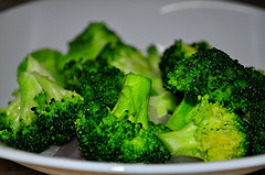 Broccoli by Flickr user whologwhy, Creative Commons license